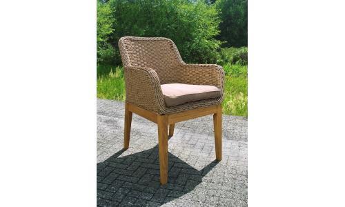 Плетеное кресло Mattias с ножками из дуба